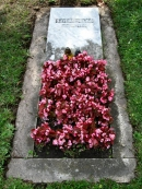 Могила Л. Сциларда на Kerepesi Cemetery  Budapest Budapest Capital District, Hungary/ Источник: ttp://www.gravsted.dk/person.php?navn=leoszilard